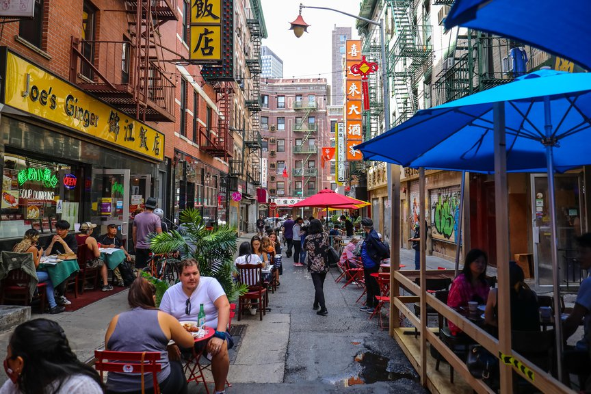 A photo of outdoor diners in Chinatown