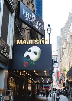 """<i>The Phantom of the Opera</i> at the Majestic Theatre""""><figcaption> <span class="""