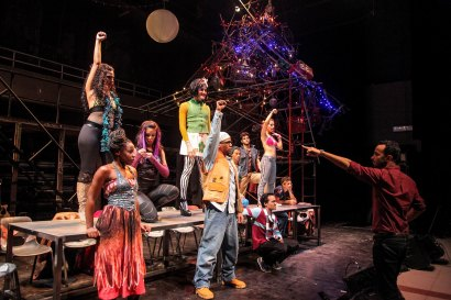 """Andy Señor Jr. and the Cuban cast of <i>Rent</i>""""><figcaption> <span class="""